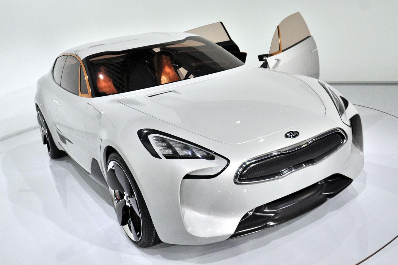 Kia вступает в конкурентную борьбу с Mercedes-Benz