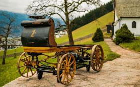 В Штутгарте показали первый в истории электромобиль Porsche